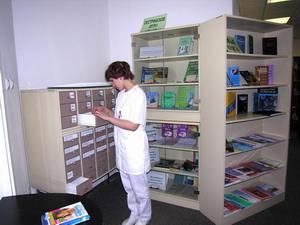 Библиотека включаеткниги отечественную и зарубежную периодику фонд диссертаций и авторефератов диссертаций полнотекстовые и реферативные БД